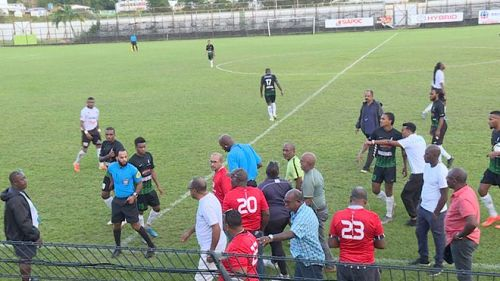 la-ligue-de-football-de-martinique-suspend-les-competitions-a-cause-de-la-violence